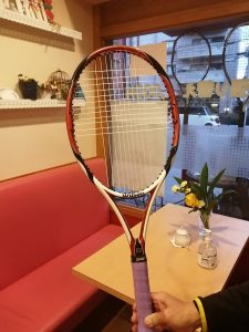 テニスラケット、ガット張り替え